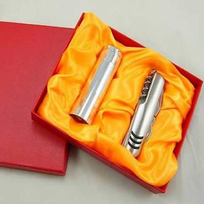 瑞士多功能刀具随身小刀 平面11开小刀+礼品电筒精美家居军刀套装